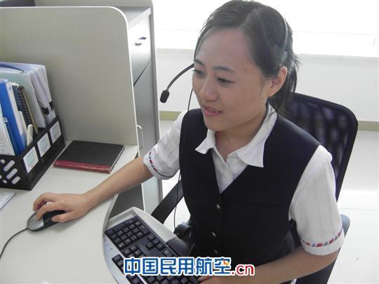 毫无怨言英语_闪光人物:南航上海呼叫中心英语坐席马莉莉_运营管理_呼叫中心 ...