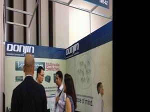 在Communic Asia2012与东进见面
