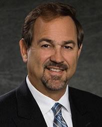 Mark De La Vega 现任Avaya全球联络中心业务总经理兼副总裁