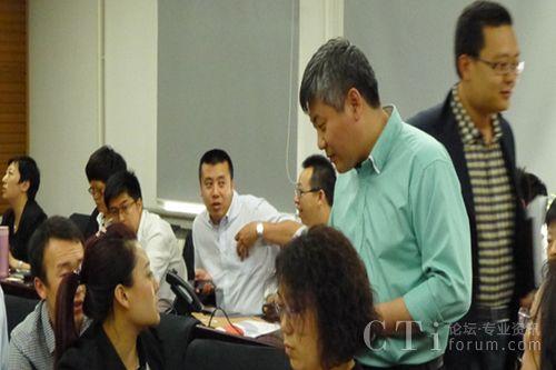 直真信通渠道总监朱惠龙为参会人员解答疑问