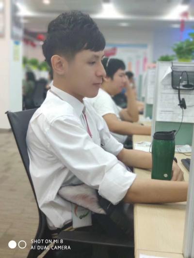 中移在线(佛山)宽带客服班长冯兆东: 纵看全局,团队共荣